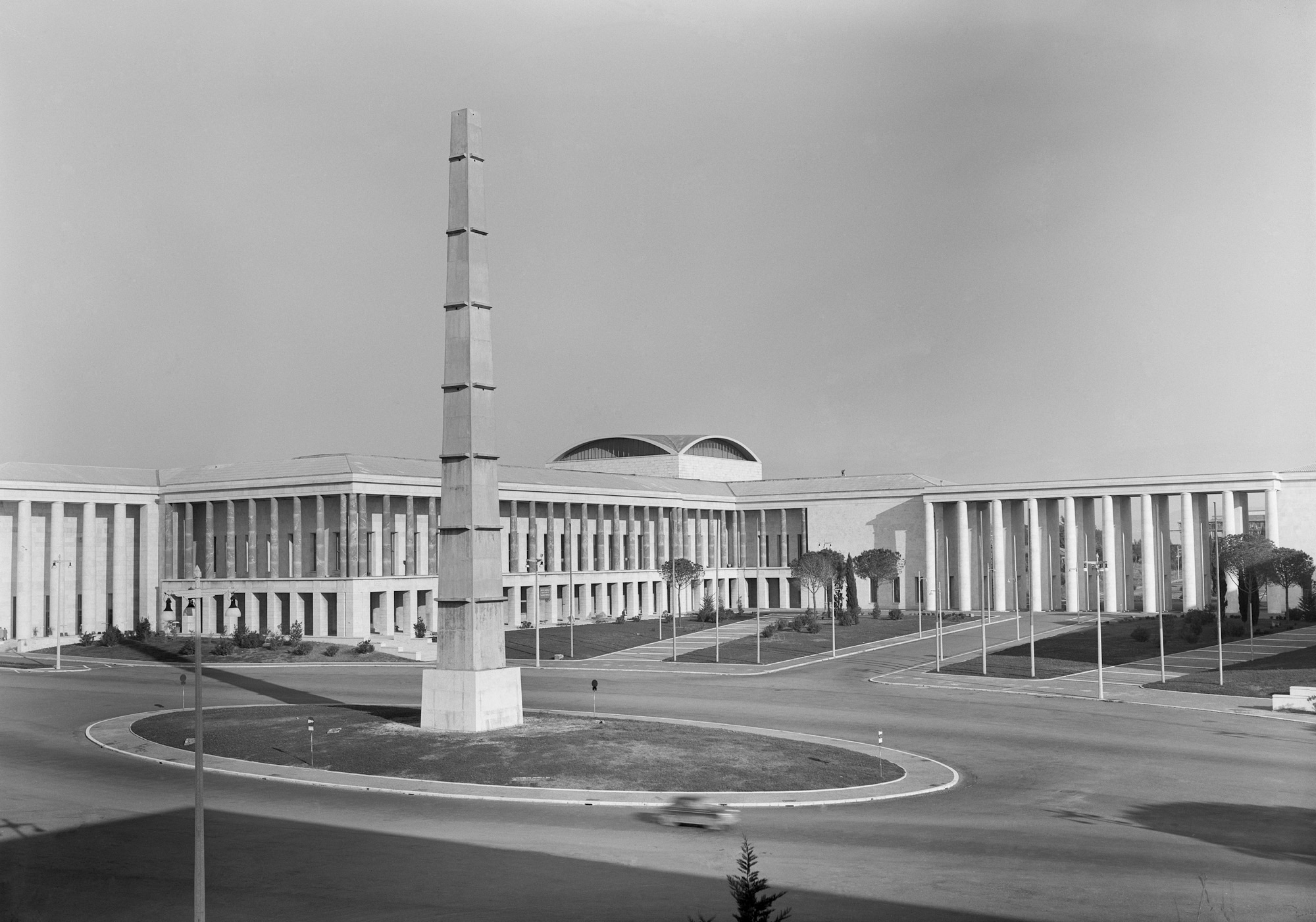 Esposizione universale roma una citt nuova dal fascismo for Architettura fascista in italia
