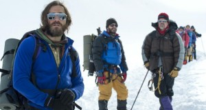 Un frame di Everest