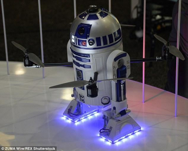 REALIZZATO DRONE R2-D2 DI STAR WARS CHE FISCHIA E VOLA