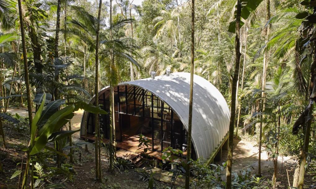ARCA – UN FAVOLOSO RIFUGIO NELLA FORESTA TROPICALE BRASILIANA