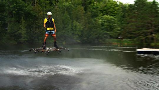 record di volo su un drone gigante