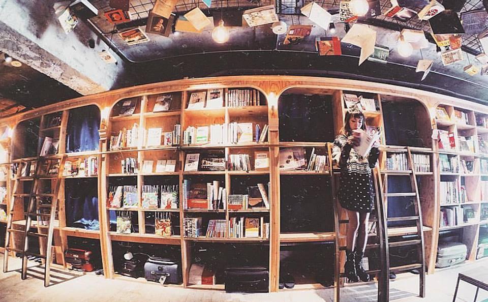 BOOK AND BED DI TOKYO – DORMIRE DENTRO LA LIBRERIA