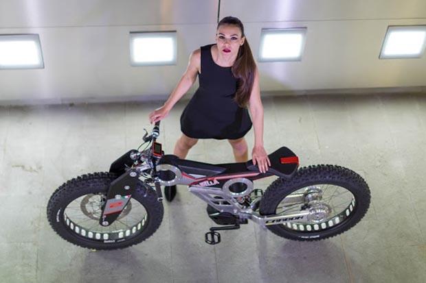 Carbon SUV e-bike 3